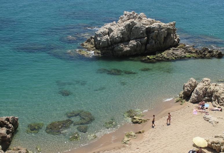 Camping Roca Grossa, Calella, Beach