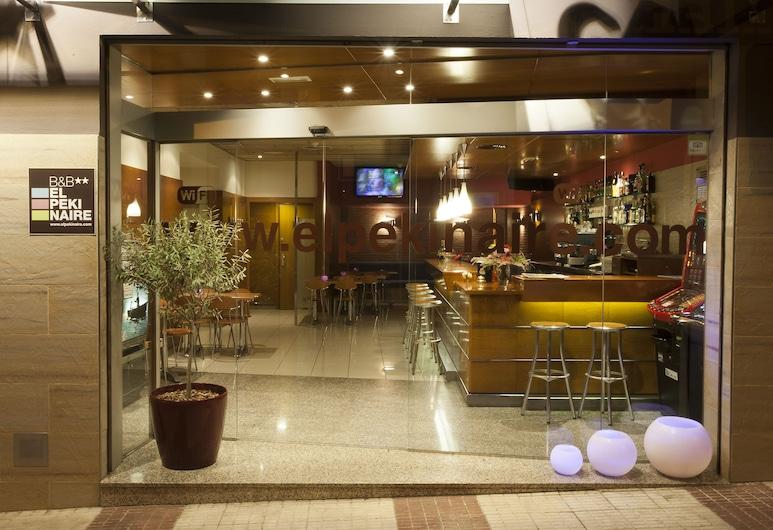 B&B El Pekinaire, Calella, Interior Entrance