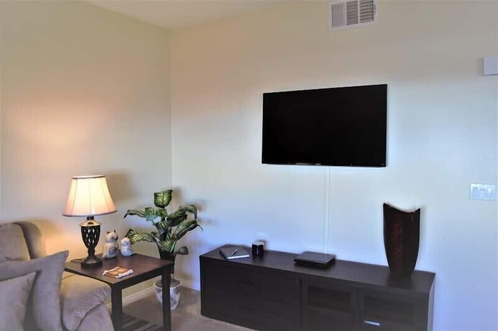 Condo, 2 Bedrooms - Living Room