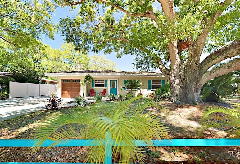Indoor/outdoor Living - 3br W/ Screened Pool 3 Bedroom Home, Sarasota, Majoitusliikkeen julkisivu