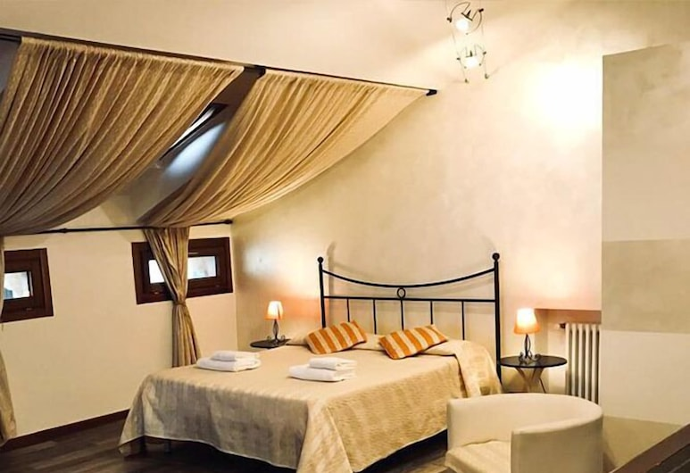 Alla Galleria Bed&Breakfast , Verona, Quadruple Room, Guest Room