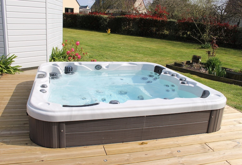 Le Clos Louisiane, Saint-Loup-Hors, Outdoor Spa Tub