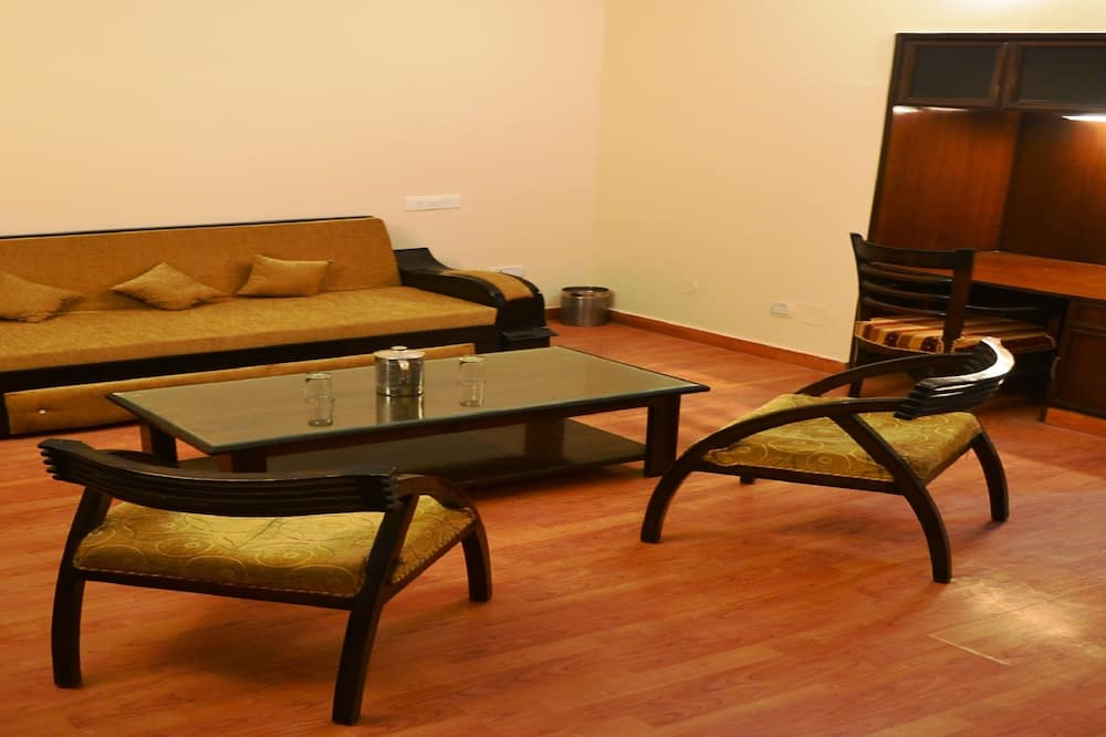Royal Suite, Mountain View, Mountainside - Living Area