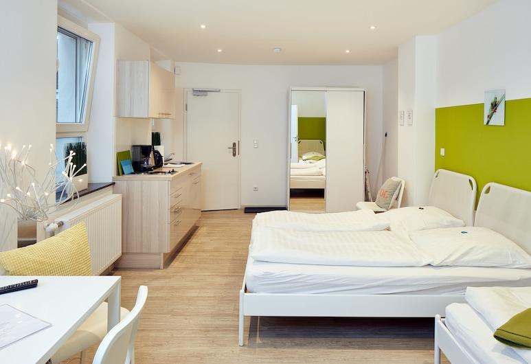 Apartments 4 YOU - Goethestrasse, Fuerth, Triple Room Nr.08, Room