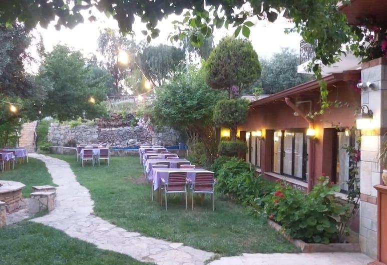 Soleil Otel, Kuşadası, Açık Havada Yemek