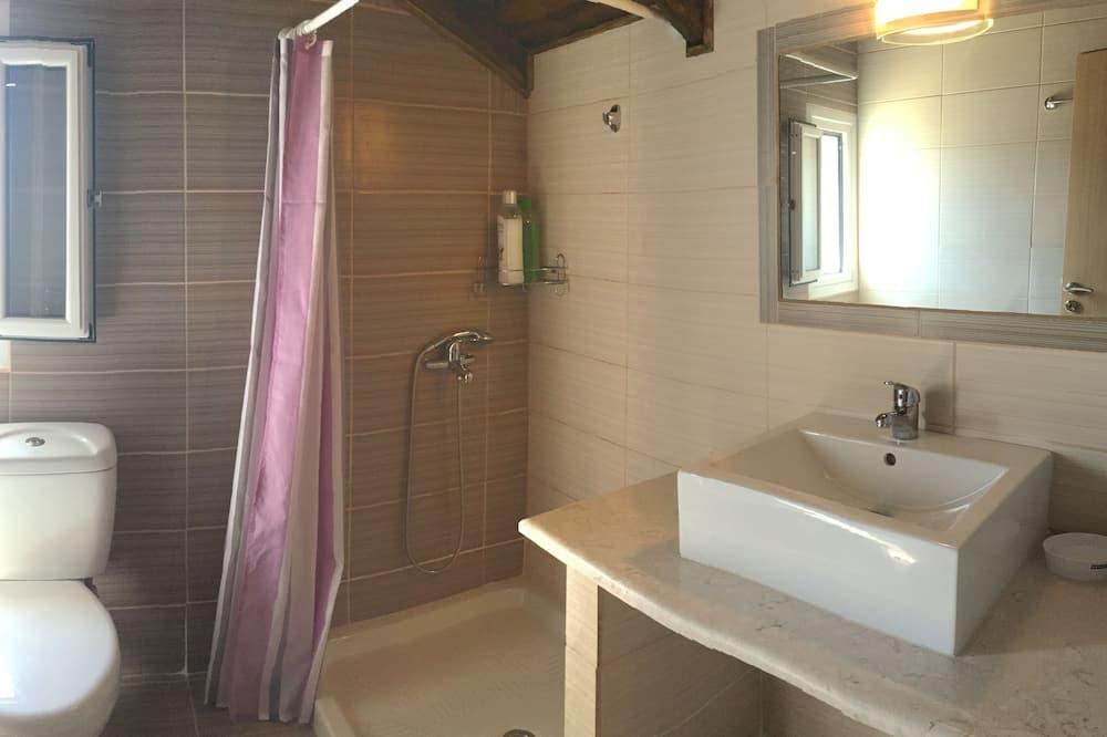 Apartemen Basic - Kamar mandi