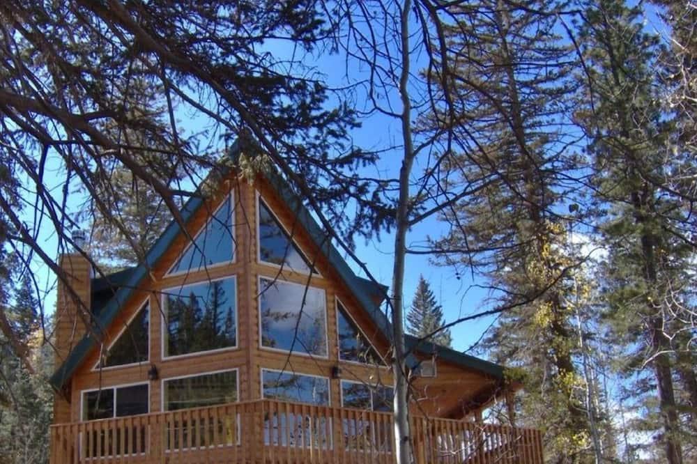 Duck Creek Luxurious Cabin