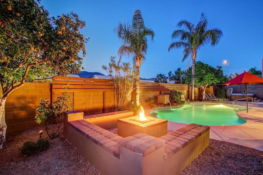 SLS Cactus Acres - FREE Heated Pool, Boccie, Spa & Pool Table.
