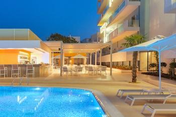 ภาพ Blue Lagoon City Hotel ใน คอส