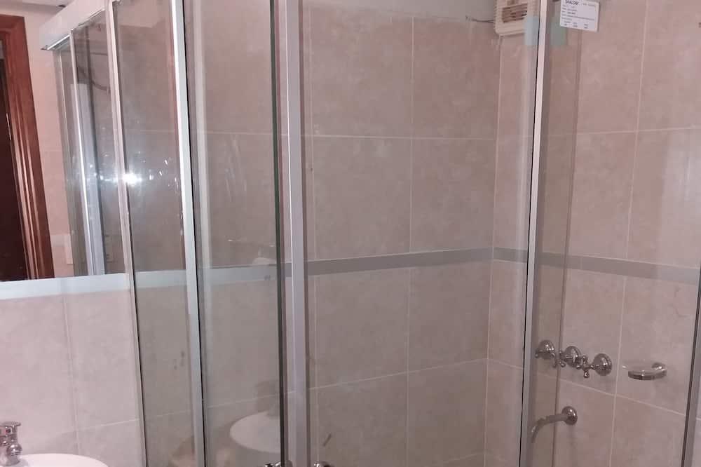 Standard Double Room, 1 Double Bed - Bathroom