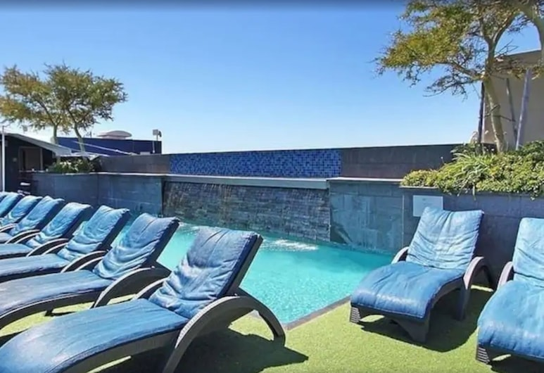 Cape Royale - WHosting, Cape Town, Pool