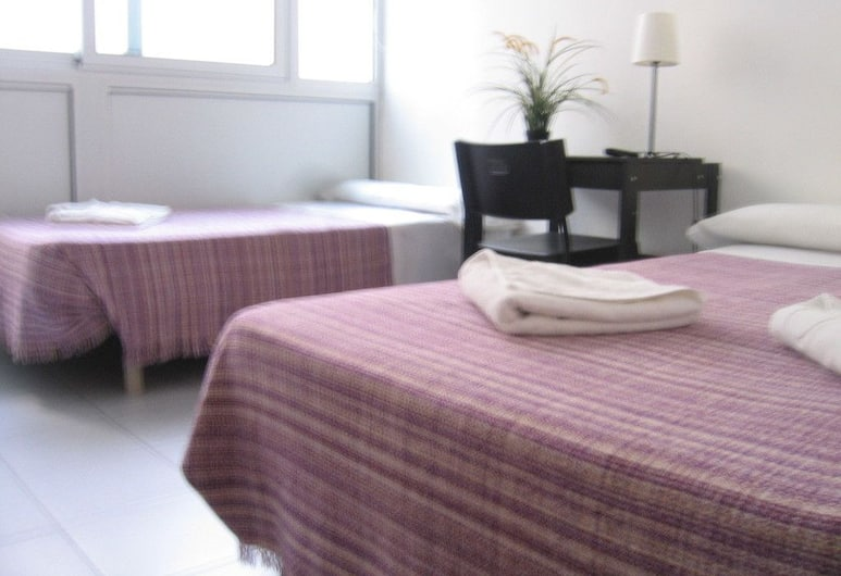 Hostal Elkano, Barcelone, Chambre Triple, salle de bains privée, Chambre
