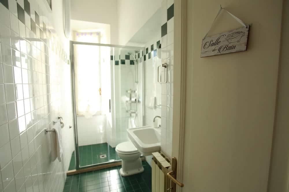Kamar Double Superior (Private external bathroom) - Kamar mandi