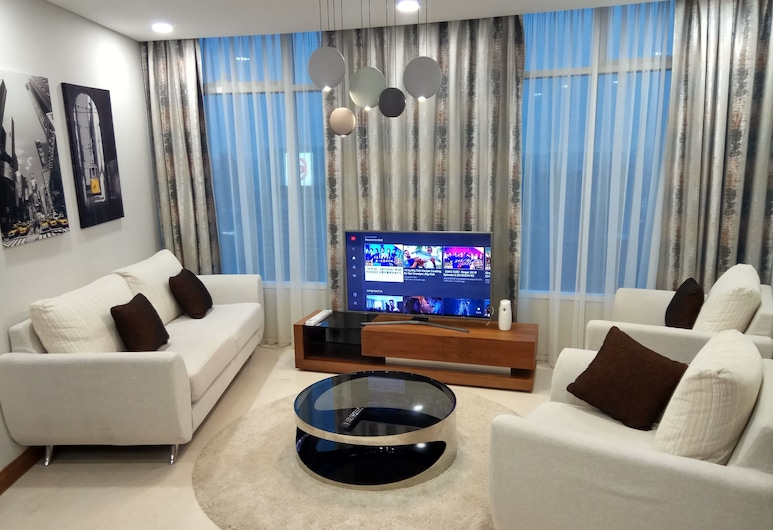 Vortex Suite KLCC by Sayang, Kuala Lumpur, Deluxe Three-Bedroom Apartment City View, Living Room