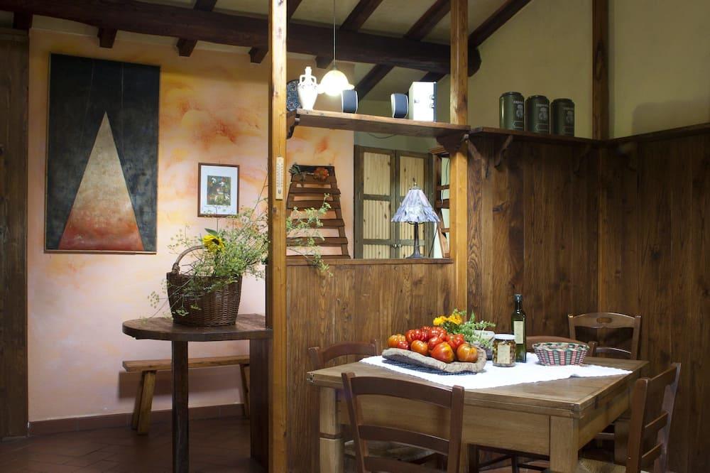 Dzīvokļnumurs, divas guļamistabas, virtuve - Dzīvojamā istaba