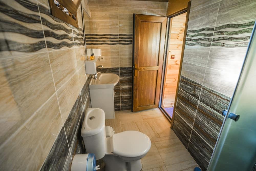 4 人部屋 - バスルームのシンク
