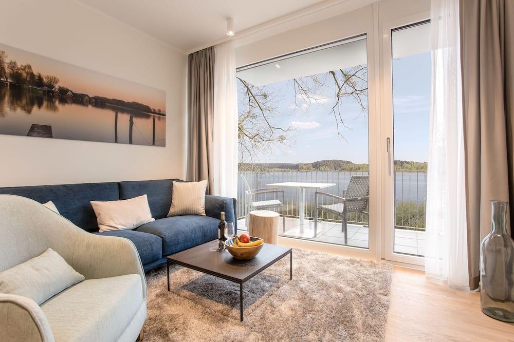 Paaugstināta komforta dzīvokļnumurs, viena guļamistaba, skats uz ezeru - Dzīvojamā zona