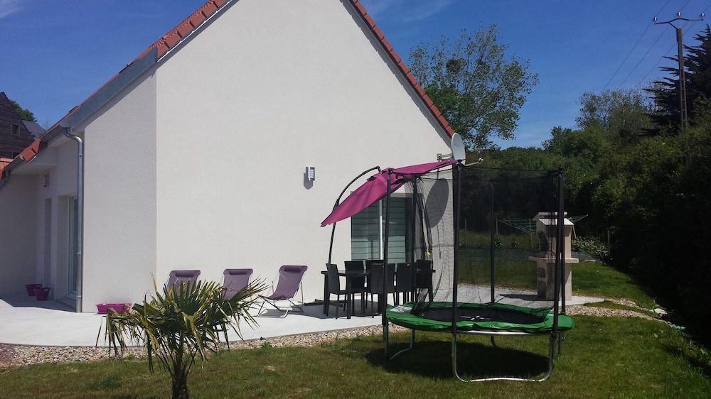 House With 3 Bedrooms In Barneville Carteret, With Enclosed Garden And Wifi    1