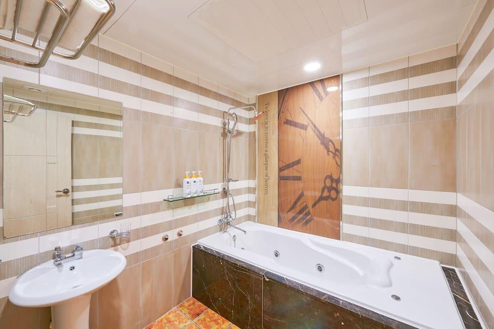 Deluxe Double Room (A, Styler) - Bathroom