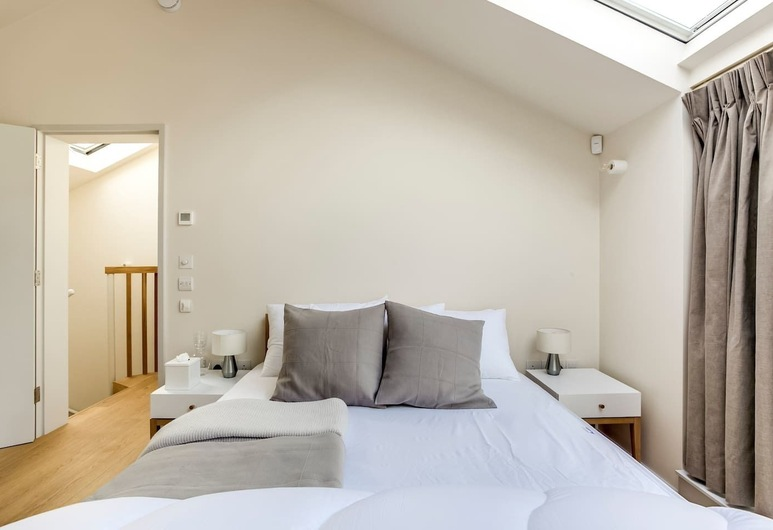 Luxury 3BR Home Wterrace by Kings Cross, London, Room