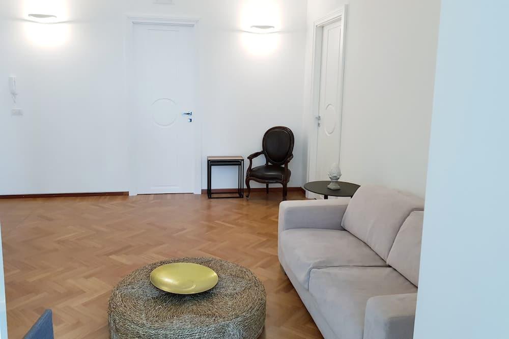 Basic Double Room (Borgo) - Living Room