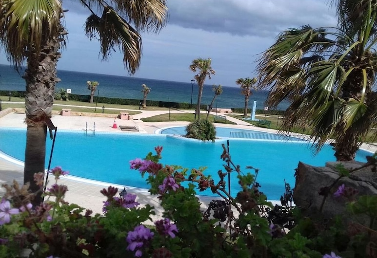 Marina Beach  Private Pool&Beach, Allyene, Piscina al aire libre