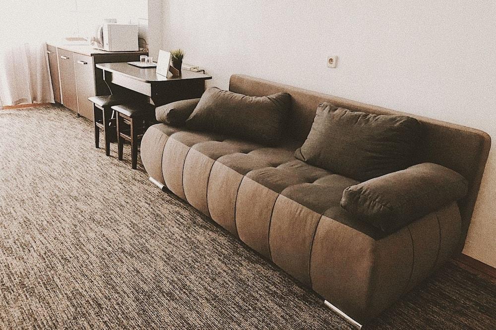 סוויטת סופריור, חדר שינה אחד, נוף לגן - אזור מגורים