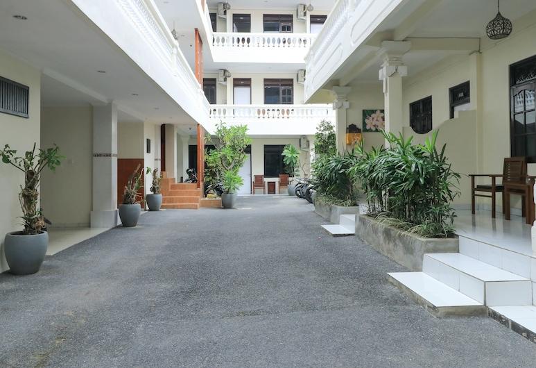 City Garden Bali Dwipa Hotel, Kuta, Hiên