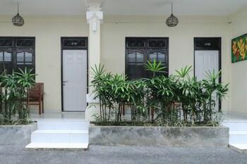 クタ、シティ ガーデン バリ ドゥウィパ ホテルの写真