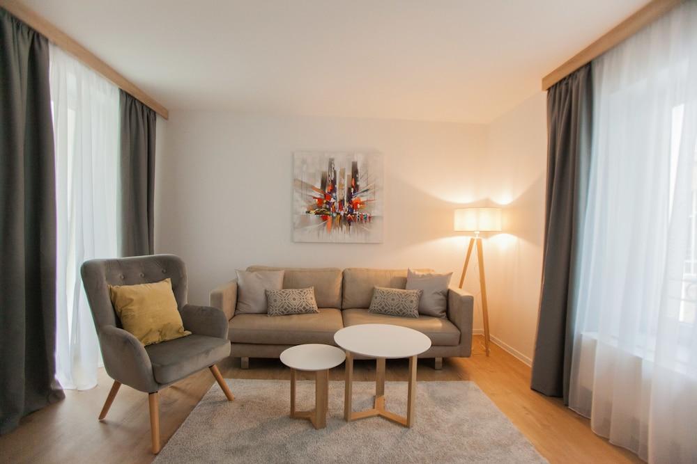 Aparthotel Cosy, Stuttgart, Superior Suite, Wohnzimmer