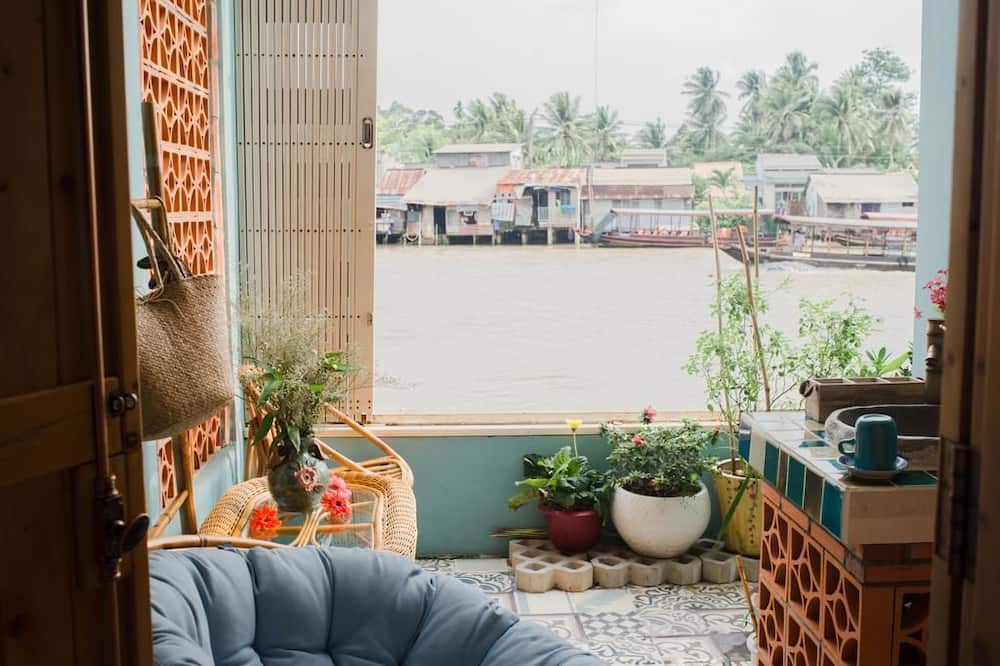 บ้านพักดีไซน์, 1 ห้องนอน, พร้อมสิ่งอำนวยความสะดวกสำหรับผู้พิการ, วิวแม่น้ำ - ระเบียง