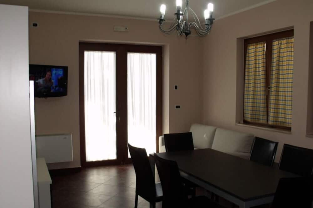 Apartment, 1 Bedroom (4 persons) - In-Room Dining
