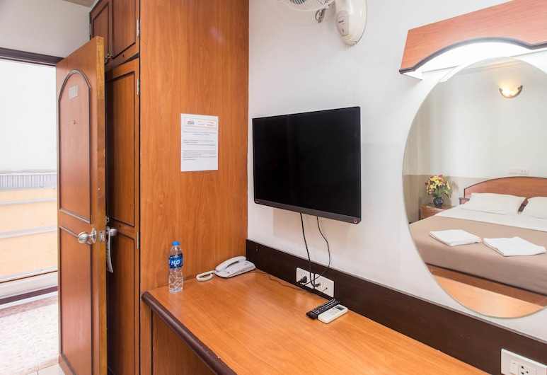 D.J. House, Patong, Standard Room, Guest Room