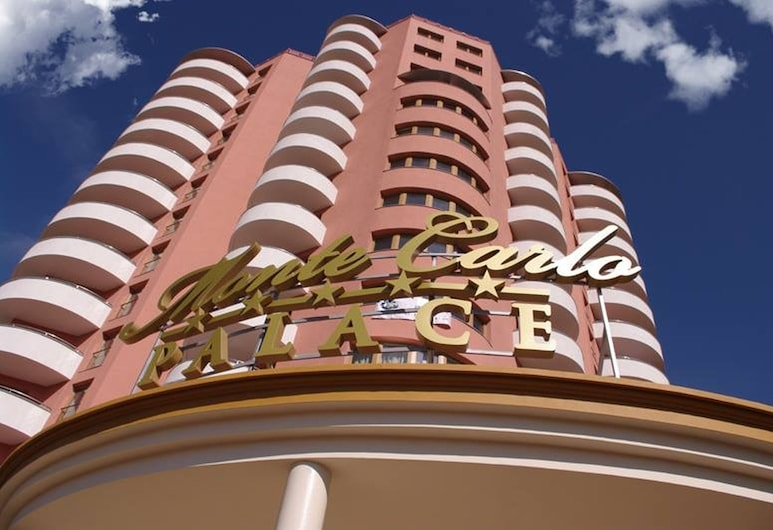 Monte Carlo Palace Suites, Bucharest, Hadapan Hotel