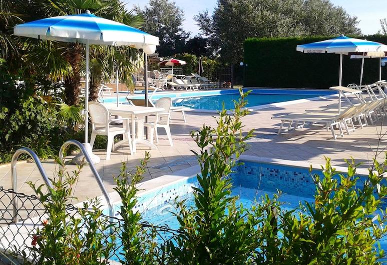 Fattoria Belvedere, Bellaria-Igea Marina, Välibassein