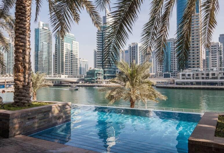 Higuests Vacation Homes - Fairfield, Dubajus, Lauko baseinas