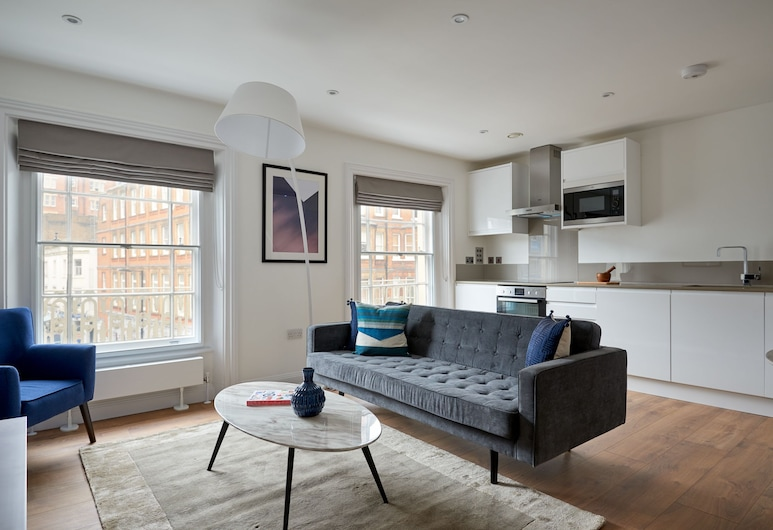 Bright 1BR in Bayswater by Sonder, London, Design Apartment, 1 Bedroom, Living Area
