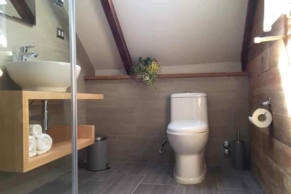 Small Double Room for 2 people - Banyo