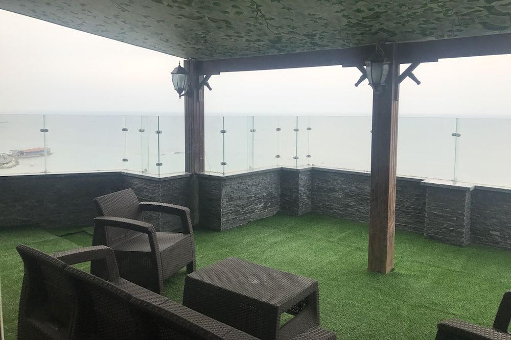 Luxury Apartment, 2 Bedrooms, Beach View - Balcony