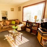 House, 2 Bedrooms, 2 Bathrooms - Living Area