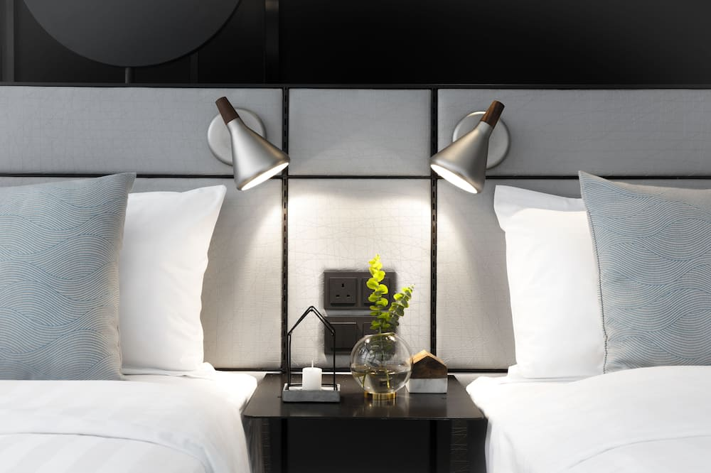 Deluxe Ease - Guest Room