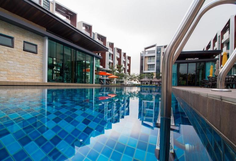 Tropical Villa Service Suite, Сері Кембанган, Відкритий басейн