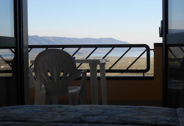 Hotel De La Ville, Karpinas, Trivietis kambarys, Vaizdas iš svečių kambario