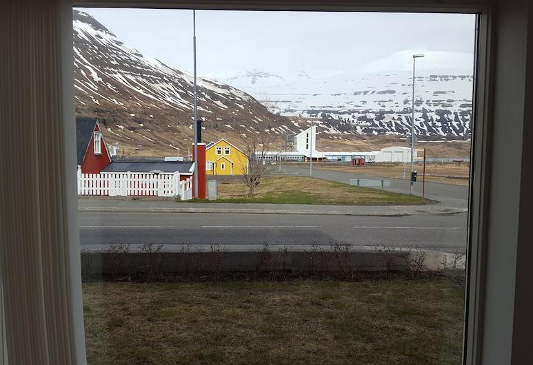 Seyðisfjörður Apartment, Seydisfjordur, Huoneisto, 3 makuuhuonetta, Parveke, Näkymä huoneesta