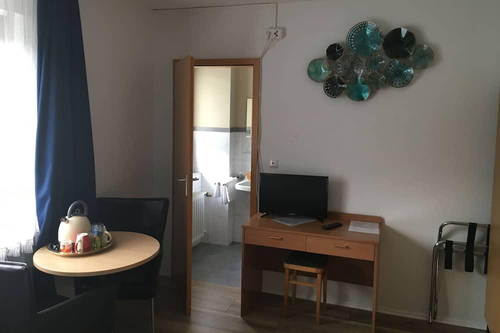 Comfort Double or Twin Room - Living Room