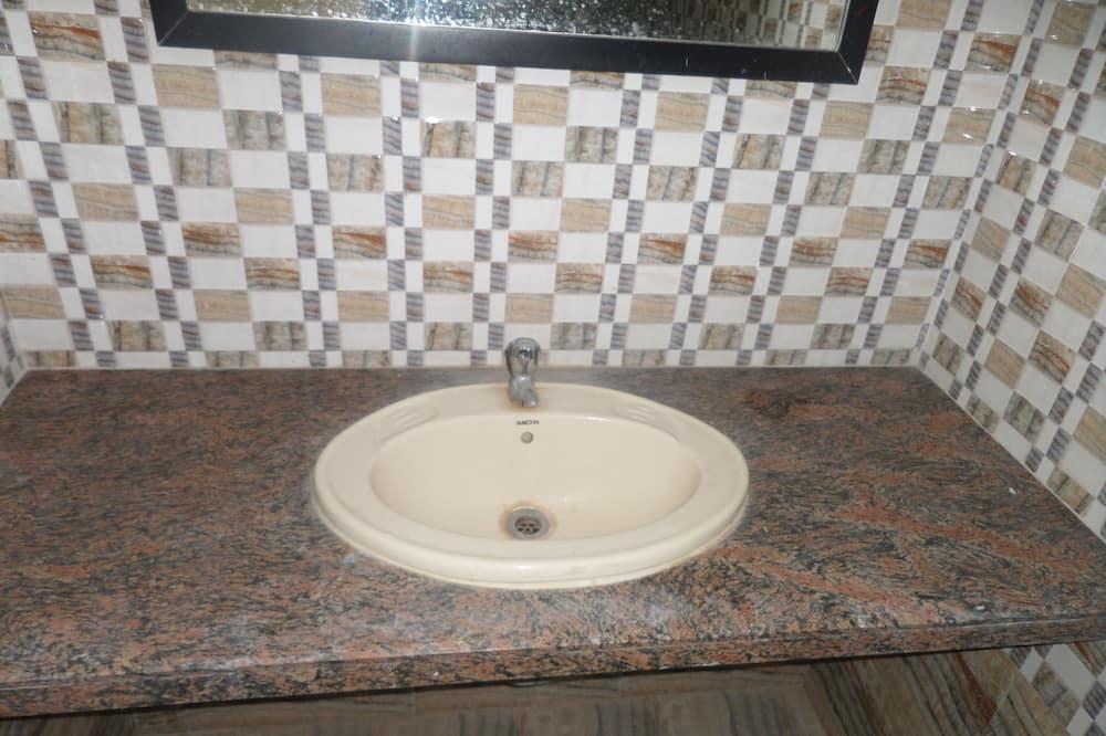 豪華雙人房, 1 間臥室 (AC) - 浴室洗手台