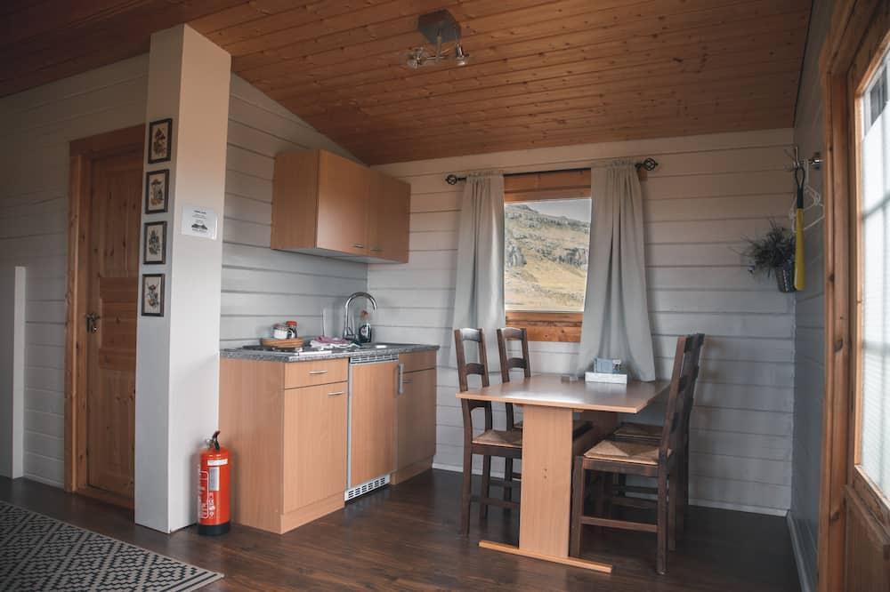 Familjestuga - privat badrum - Vardagsrum
