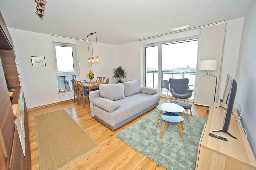 Apartemen Comfort (Bastion Walowa D76) - Ruang Keluarga