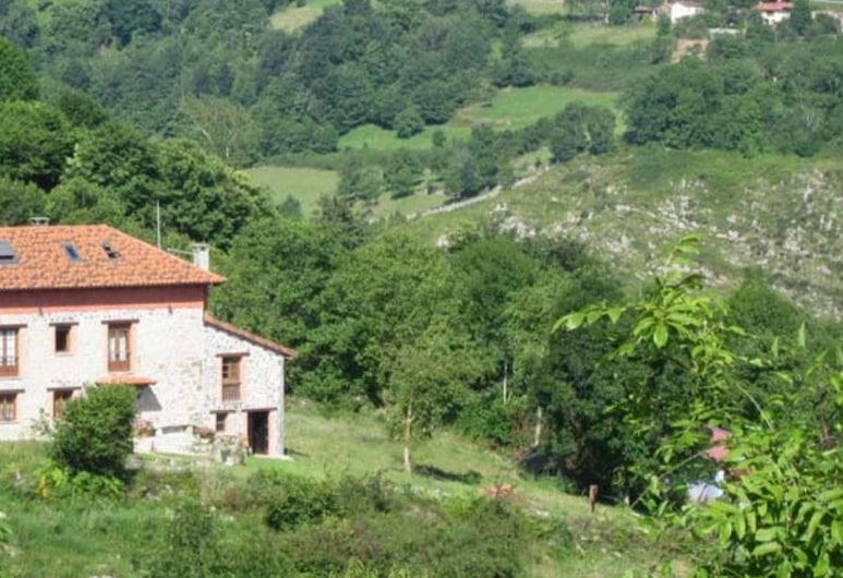 El Conventu del Asturcón, Parres, Hotellets front