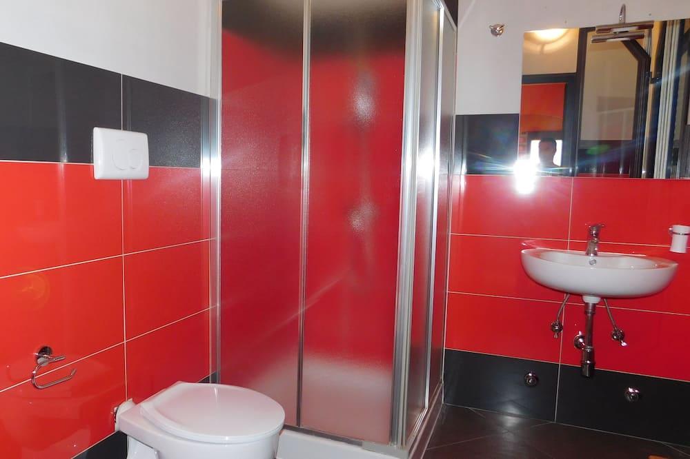 חדר סטנדרט זוגי, חדרים עם דלת מקשרת - חדר רחצה